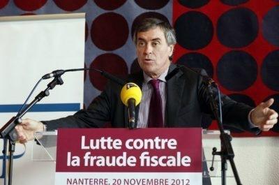 Photo- de 506822-jerome-cahuzac-alors-ministre-du-budget-lors-d-une-conference-de-presse-sur-la-lutte-contre-la-fraud-400x265