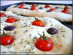 Focaccia_tomates_cerise_olive_thym