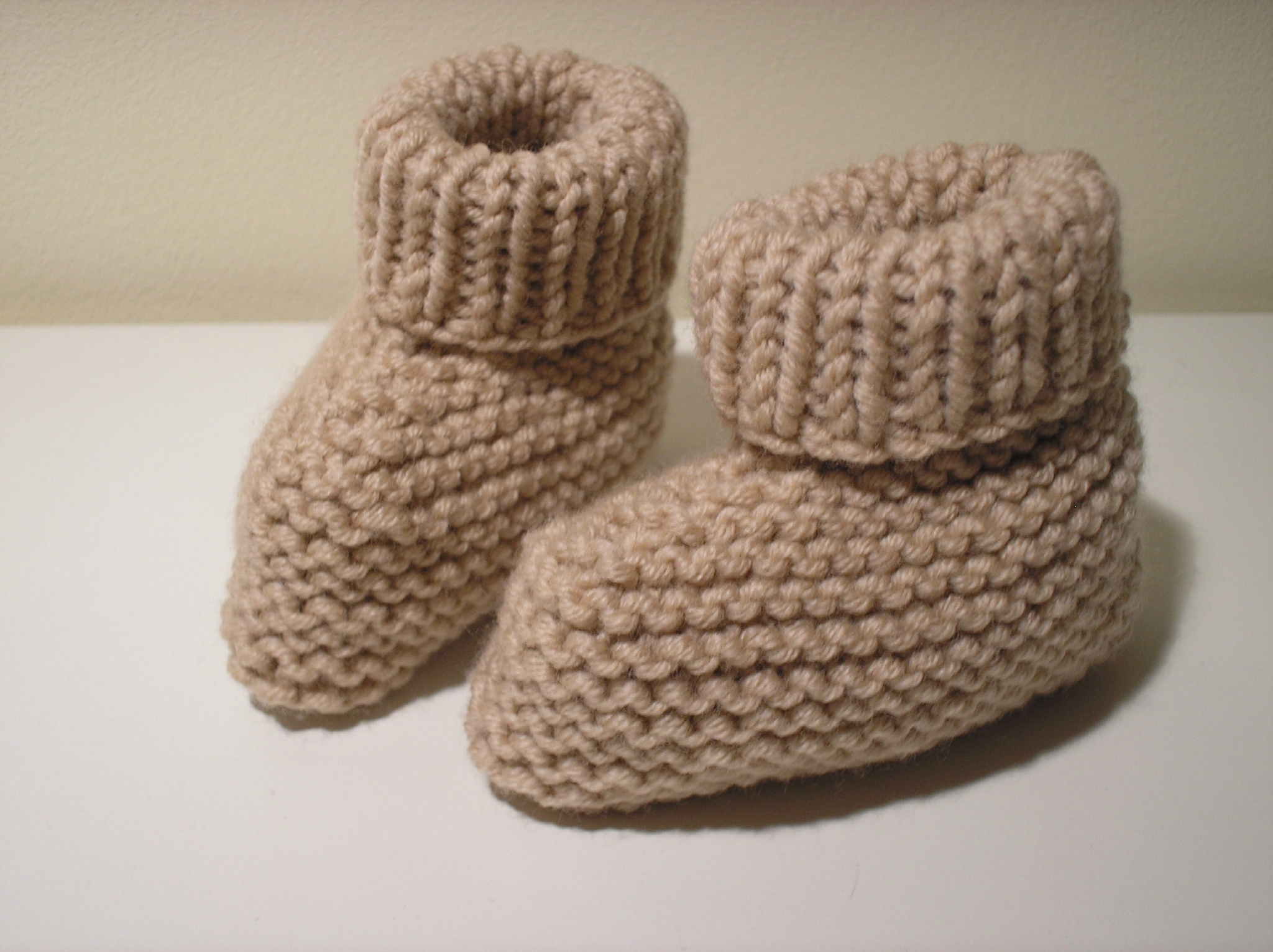modele tricot bebe chaussons