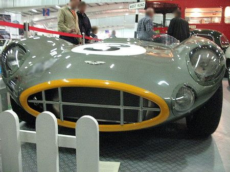AstonMartinDBR1av