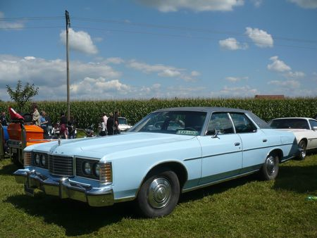 FORD Ltd 4 door Sedan Ohnenheim (1)