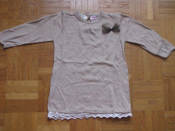 Robe pull dentelle en bas
