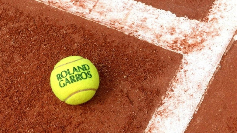 roland_garros_1270_jpeg_north_780x_white