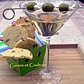 Cocktail dry martini & sablés au parmesan et olives vertes farcies