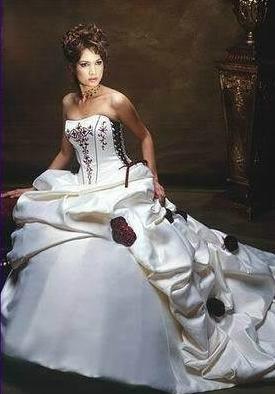 """Destockage !!! Robe de mariée """"Angélique"""" neuve bordeaux blanche 38"""