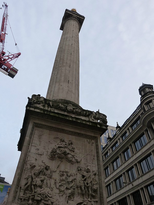 the monument in the city london