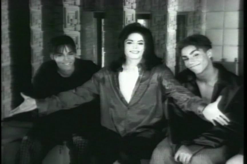 MJ-And-3T-Why-michael-jackson-10771388-864-576