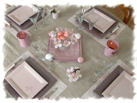 table rose poudrée 024