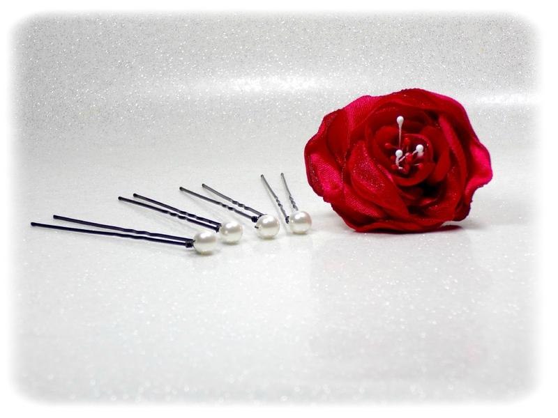 Epingles à cheveux fleurs rouge et blanc perles fait main mariage