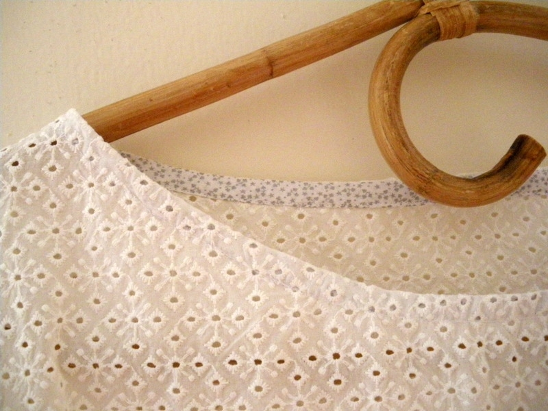 Confortable broderie anglaise (13)