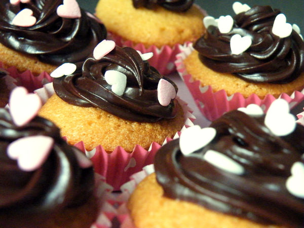 cupcakes_alice_in_neverland