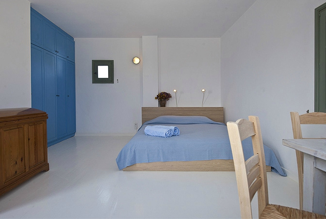 modern_vacation_rentals_paros_greece_0201