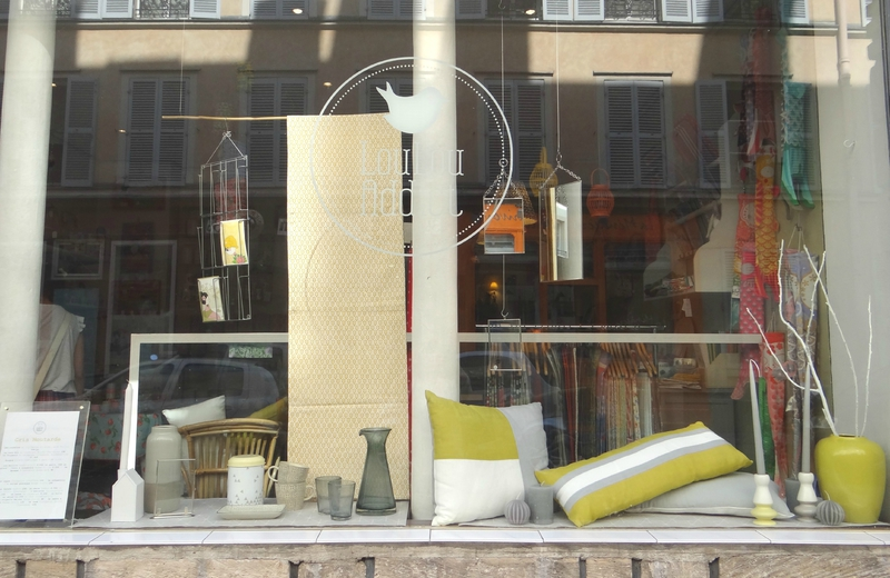 2014 06 Vitrine Gris Moutarde