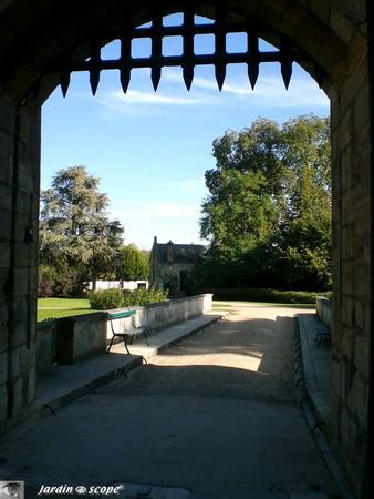 Pont et herse du Château d'Ainay-le-Vieil