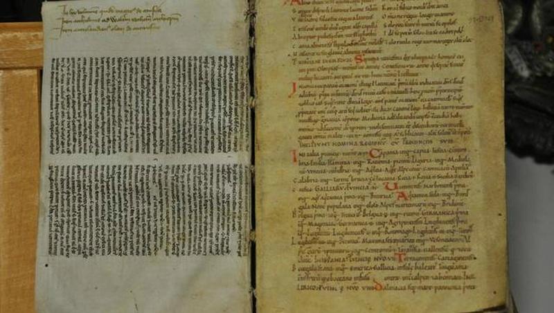 livre de chant contemporain de Guillaume le Conquérant sera vendu aux enchères à Alençon-alencon-un-manuscrit-du-mont-saint-michel-du-xie-siecle-vendre