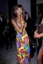 gianni_versace_andy_warhol_marilyn_dress-1991-naomi_campbell-2