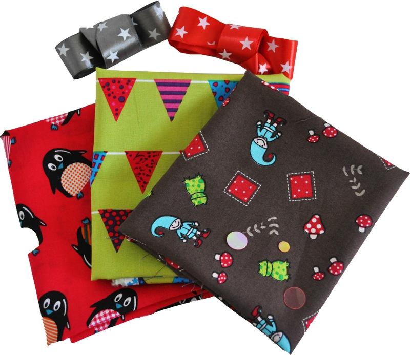 box-noel-tissu-ruban-pingouin-lutin-fanion-box-noel-meve