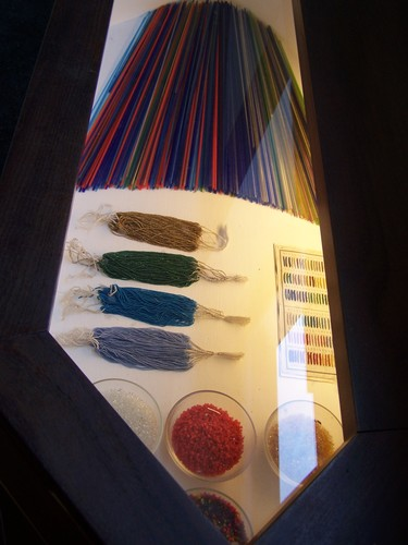 Murano-étapes de la confection de petites perles en verre