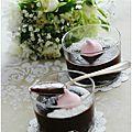 Une petite crème au chocolat et noix de coco, onctueuse à souhait.......