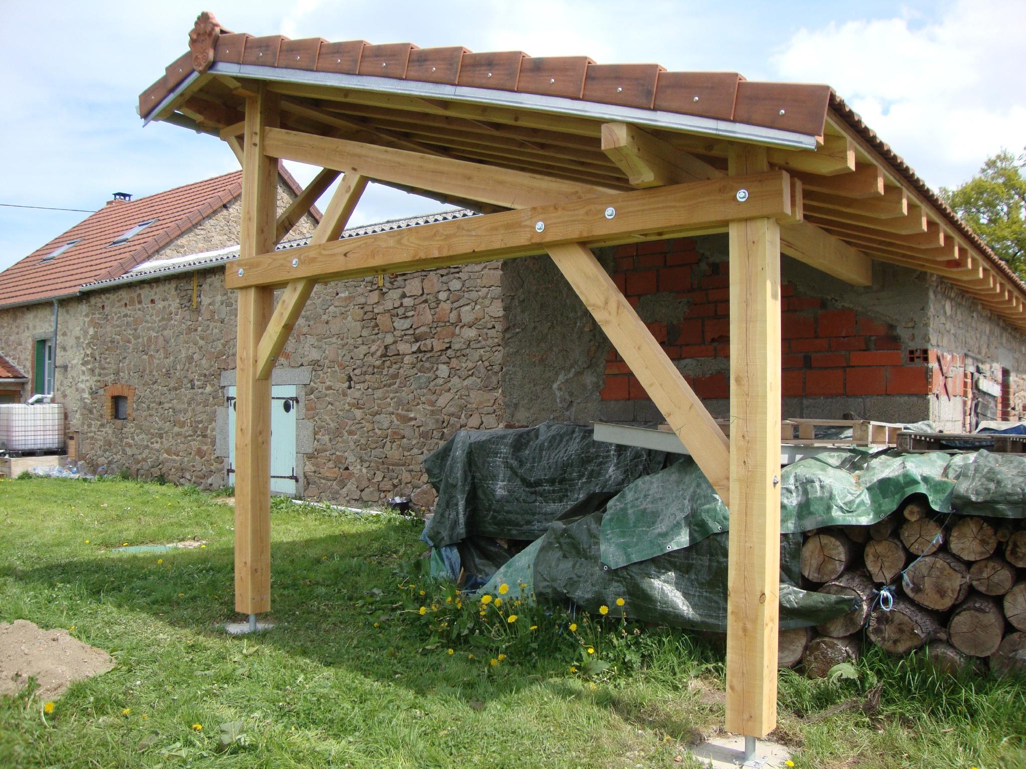 Molles abri de jardin charpentier couvreur 03 allier for Charpente bois une pente