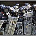 400 migrants face aux carabiniers à la sortie de vintimille