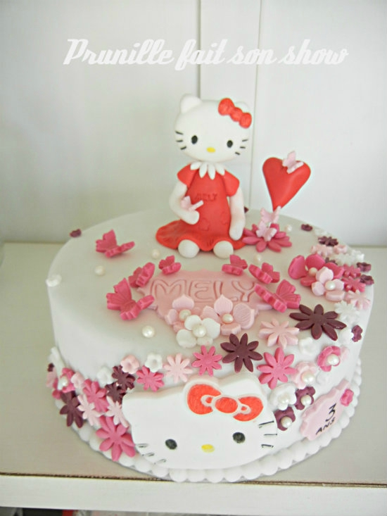 gateau hello kitty pâte a sucre prunillefee 1