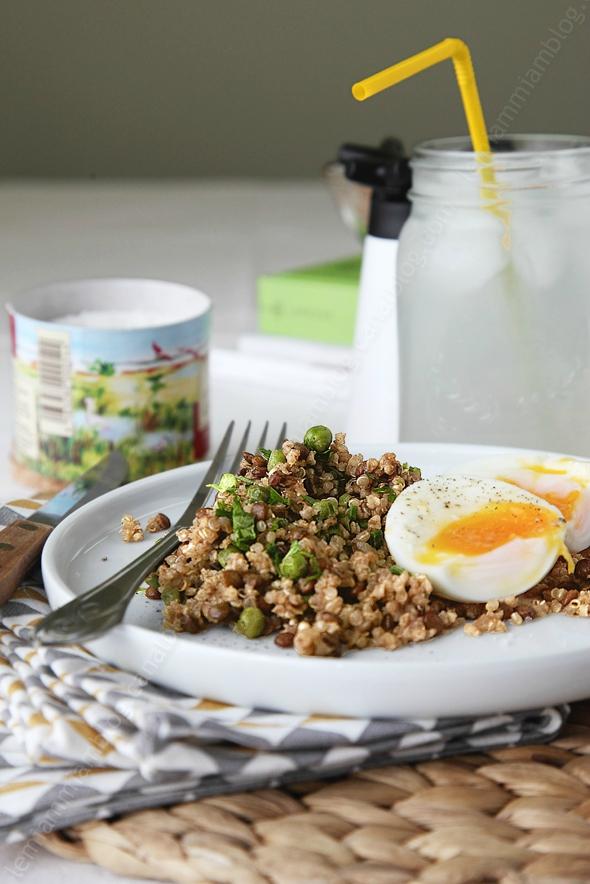 Pilaf de quinoa et lentilles au curry (VÉGÉ)