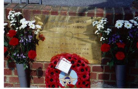 memorial_unveiling_at_blackbusheaerodrome__raf_hartford_bridge_