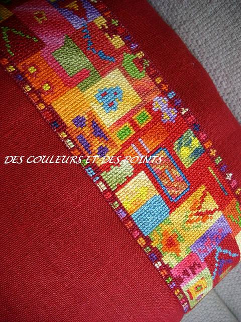 COUSSIN ROUGE DETAILS bis