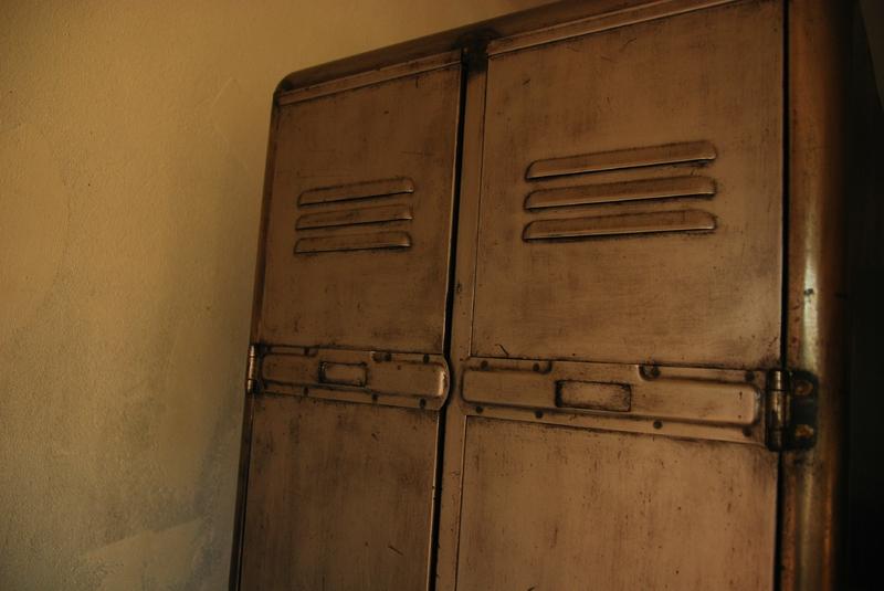 vestiaire ann es 50 r nov 280 00 vendu vintage indus patine vip 38. Black Bedroom Furniture Sets. Home Design Ideas