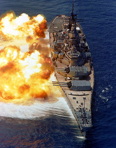 470px_BB61_USS_Iowa_BB61_broadside_USN