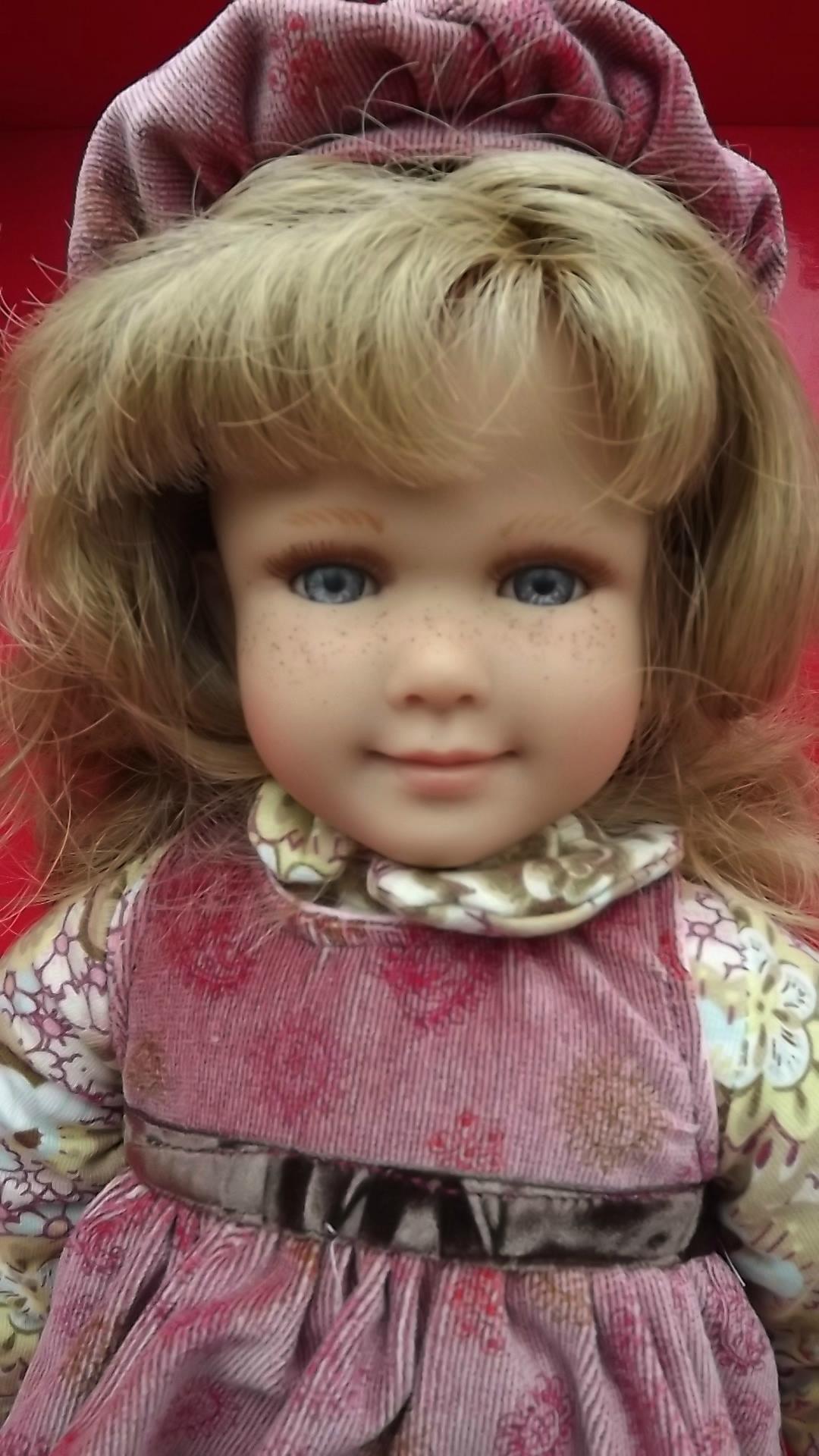 quelques poupées à vendre......... 16 ! mise à jour 11 11 15