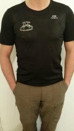 tee-shirt noire