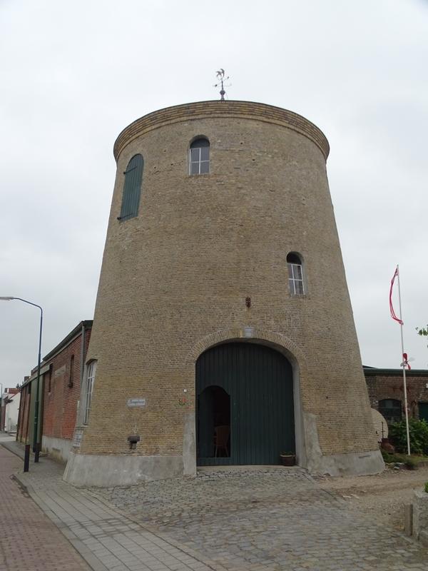 Le moulin de Standdaarbuiten (Pays-Bas) (© Martine Wauters)