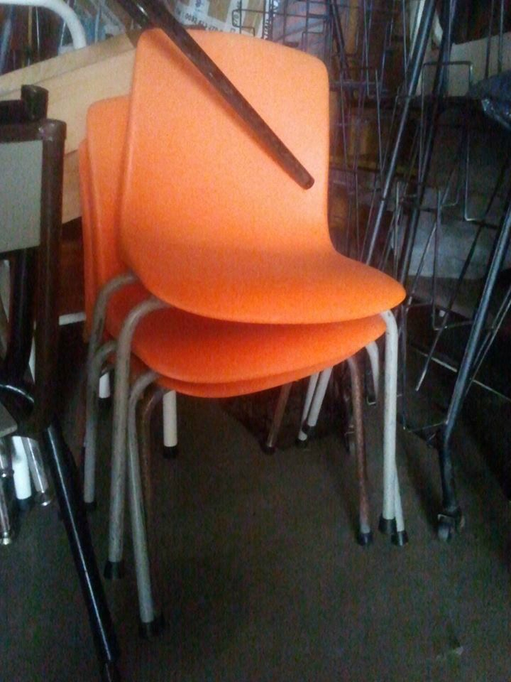 chaises plastiques cool gallery of best chaise pour htel restaurant caf snack nassau structure. Black Bedroom Furniture Sets. Home Design Ideas