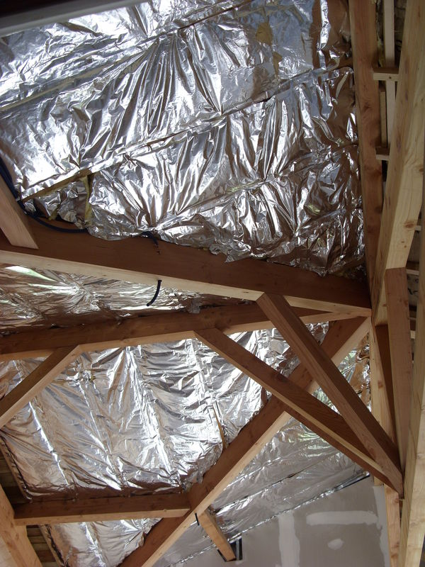isolation plafond rampant suite notre cabane en bois. Black Bedroom Furniture Sets. Home Design Ideas