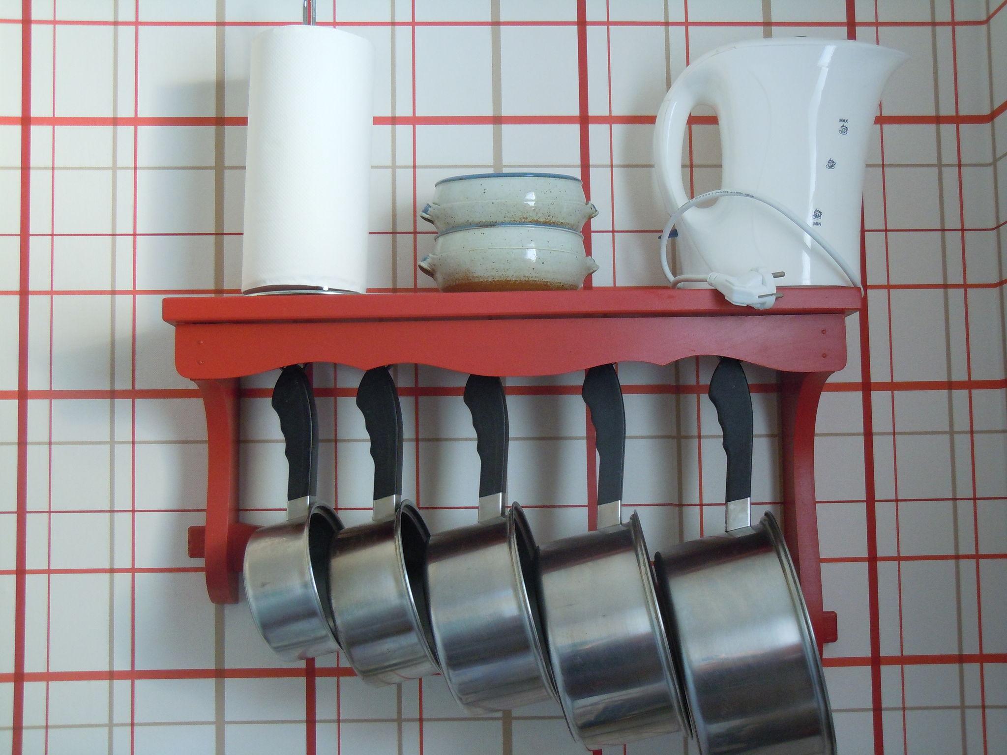 Une nouvelle cuisine carton et chiffons for Porte casseroles