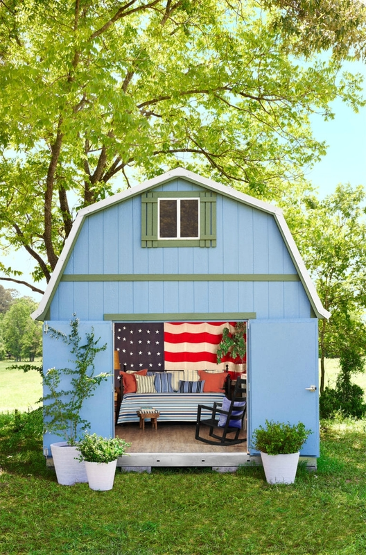Charming-patriotic-she-shed-design