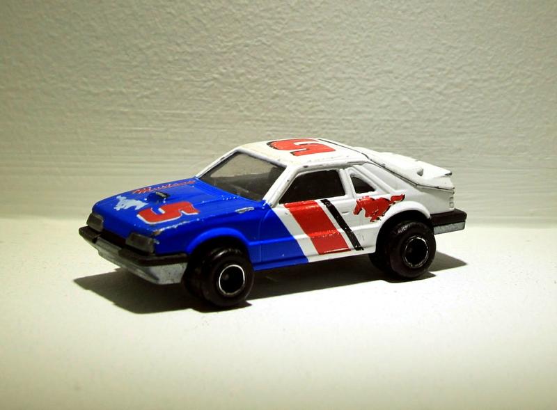 Ford mustang SVO (ref 220) Majorette