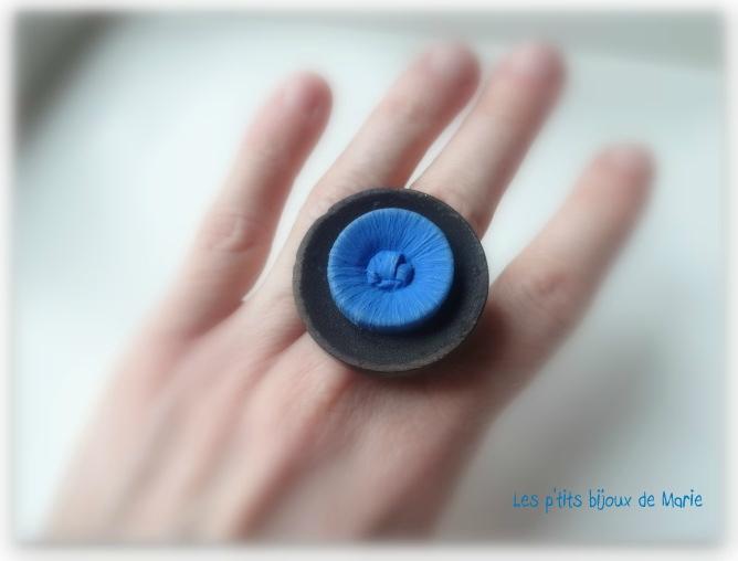 Bague noire et bleue 2