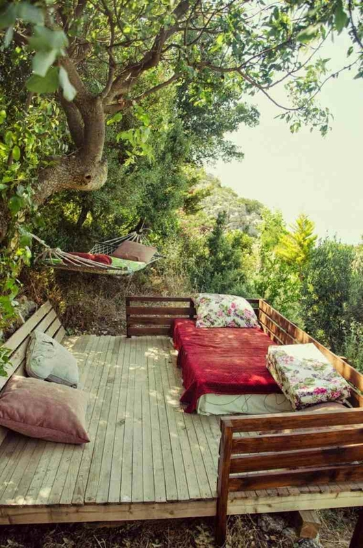 terrasse-bois-aménagée-zen