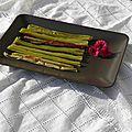 Dessert : rhubarbe rôtie à l'orange, au miel et à la vanille