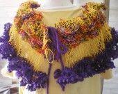 echarpe_col_fantaisie_en_laine_violet_et_jaune_1237891