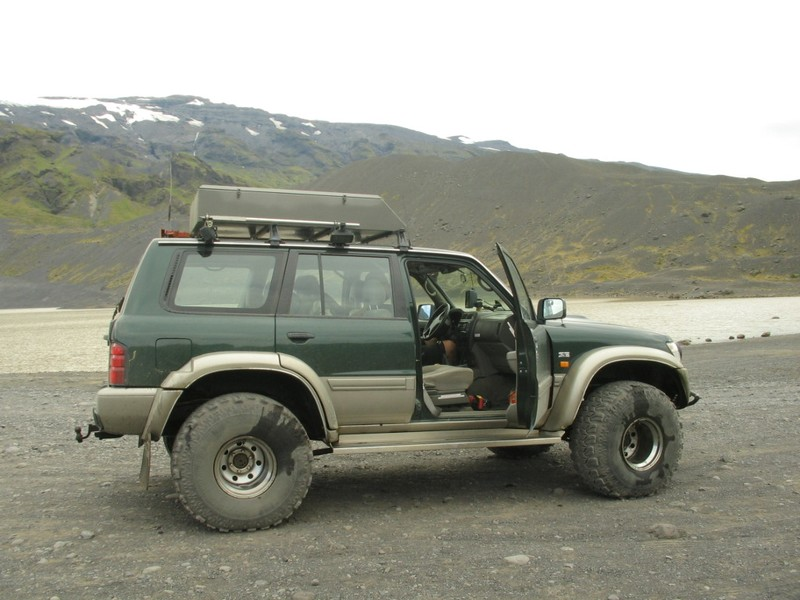 un gros 4x4 aeroglisseur tout terrain photo de iceland. Black Bedroom Furniture Sets. Home Design Ideas