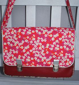 samcartable simili rouge Liberty Mitsi petunia
