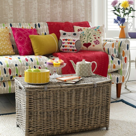 Bright-sofa-and-rattan-trunk--Country-Homes--Interiors--Housetohome