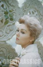 kim_novak-1958-by_basch-1