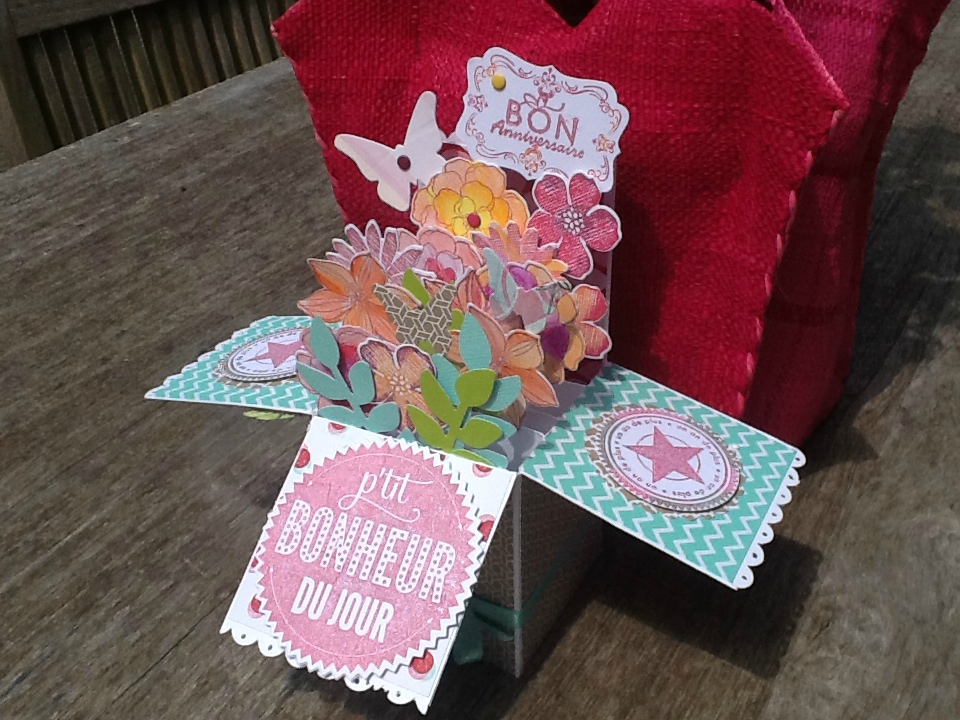 Carte Pop Up Fleur Affordable Lin Pop Up Cartes Fleurs De Pop Up