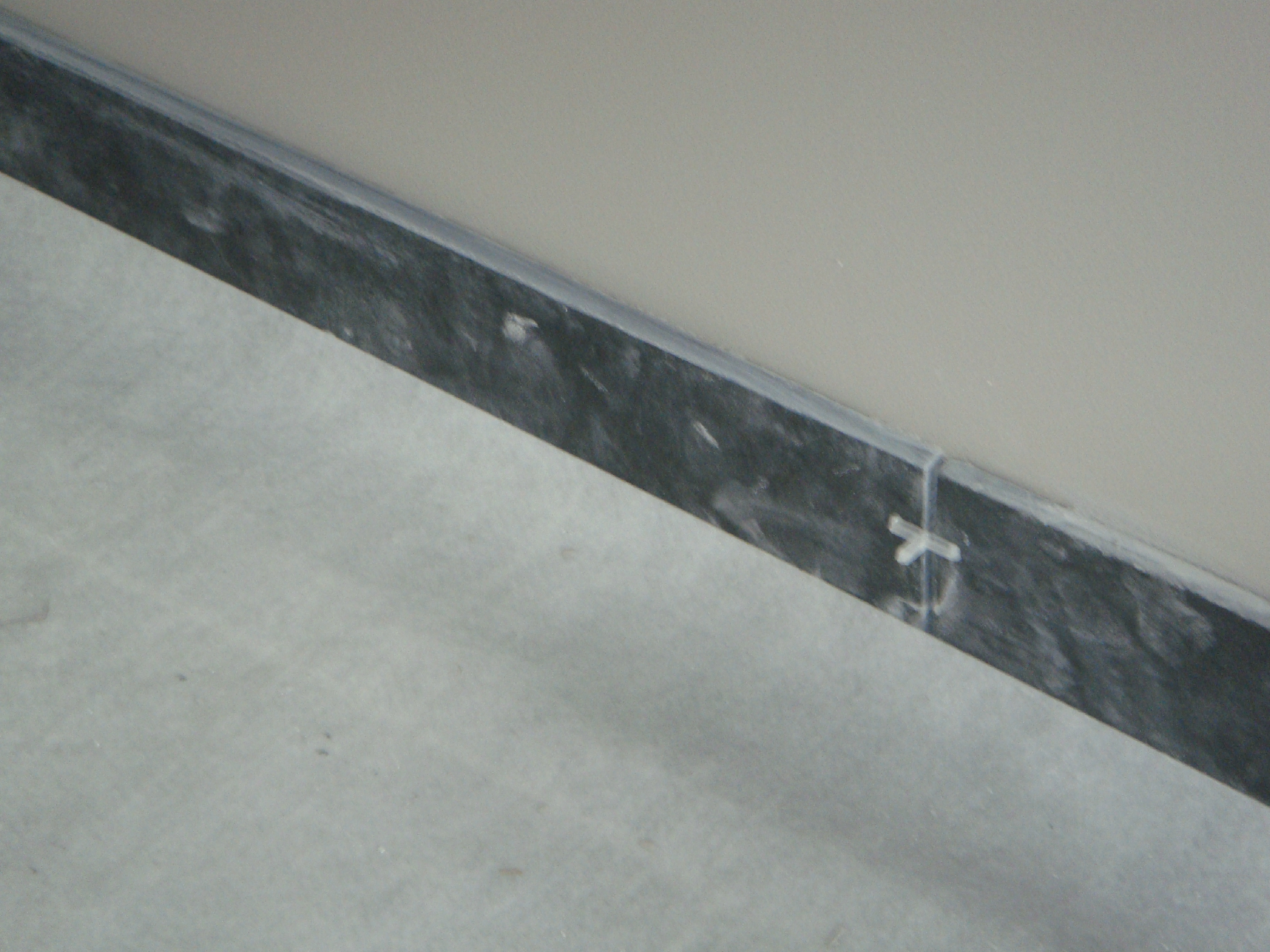 plinthes salle de bain renovation plinthe carrelage. Black Bedroom Furniture Sets. Home Design Ideas