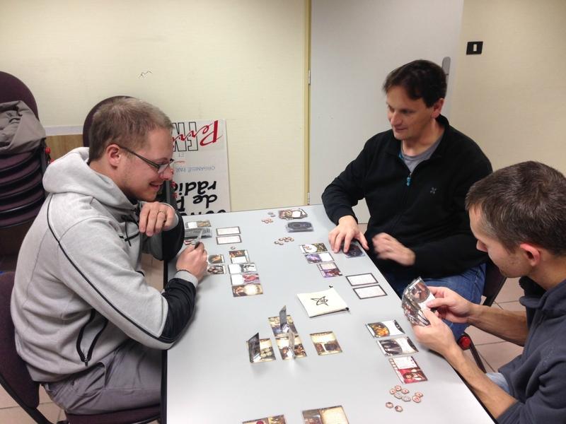 22-11-16 horreur à Arkham le jeu de cartes